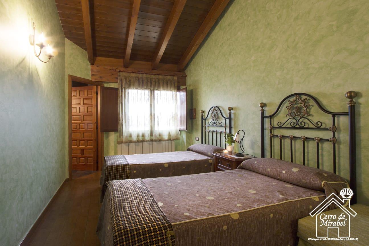 habitacion verde casa rural el cerro de mirabel